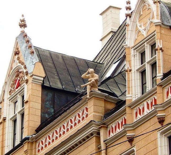Riga Vecriga Riga OldRiga Latvija Latvia Rigaofficial Rigaphotos Rigaonline Repostlatvia Visit_latvia Explorelatvia Baltictrend Bestofbaltics Jumts Roof Rooftop Best_free_shot Amateurs_shot Arhitektura Arhitecture Showcase March