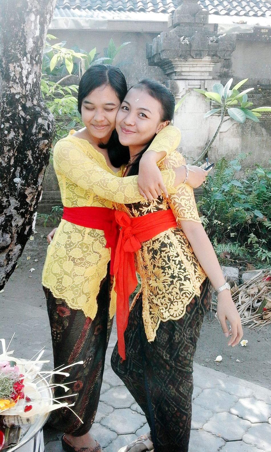 happy yellow day First Eyeem Photo Balinesegirls Happy Time ForTheFirstTime