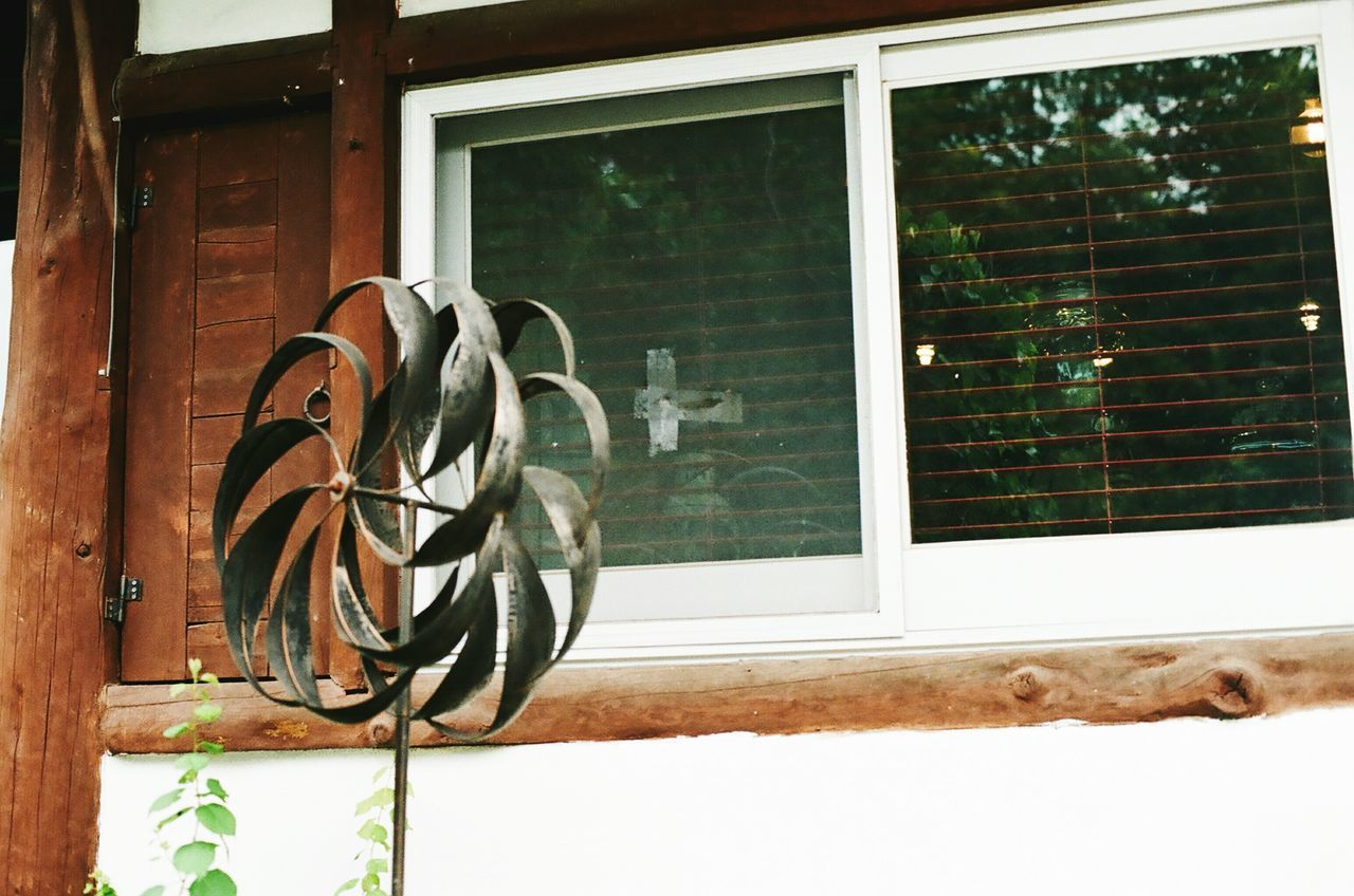 Window Pinwheel Minolta Alpha9000