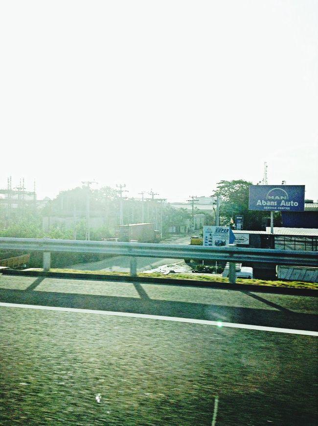 Mornin people 120mph on the Expressway :D Highspeed Helloworld SriLankanRoadTrip