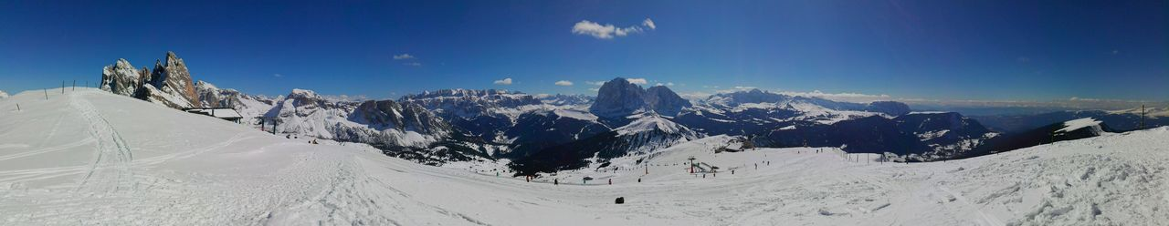 Panorama from Seceda, over Val Gardena/Grödental (ITA) taken with Huaweihonor4x Photography Seceda Bluebird Valgardena Dolomites, Italy Panorama Mountainlove Mountain Italy🇮🇹 Bellaitalia  Skiing Hiking Gröden 2500m Sassolungo Grupposella Colour Of Life