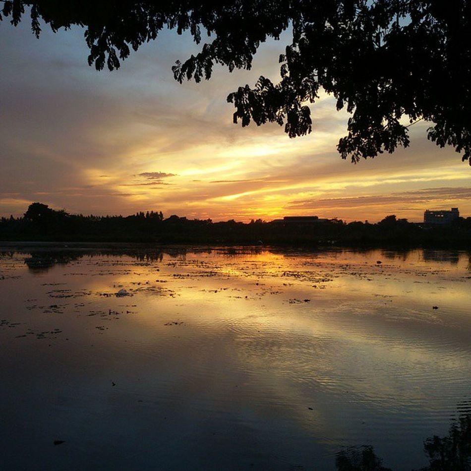 No effect. original picture of Mandalay's sunset 3.11.2014 Mandalay Myanmar Burma Igers Igersmandalay Igersmyanmar Ingersmandalay Ingersmyanmar Sunset