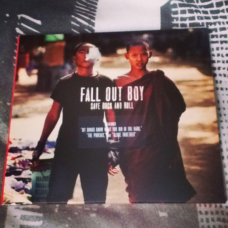 My fall out boys cd came!!:D FOB Falloutboy  Album Falloutboysaverockandroll Punk Monk  Music LoveThem  Likeit Loveit Goood Like Follow Muchlove