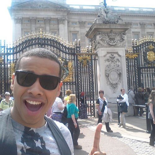 Chilling outside ma home gurls pad. QueenB Buckinghampalace Goldengates Cribs royalty purdddy follow picoftheday iconicmoment