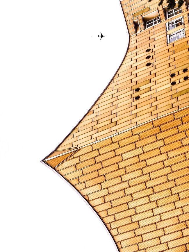 Berlin High Flye II - Hochkant | Hello Berlin 👋🏽🙌🏽 Tranquility Sky Berlin Taking Photos Telling Stories Differently Showing Imperfection EyeEm Best Edits EyeEm Best Shots Hello World Architecture Architectural Detail The Architect - 2016 EyeEm Awards