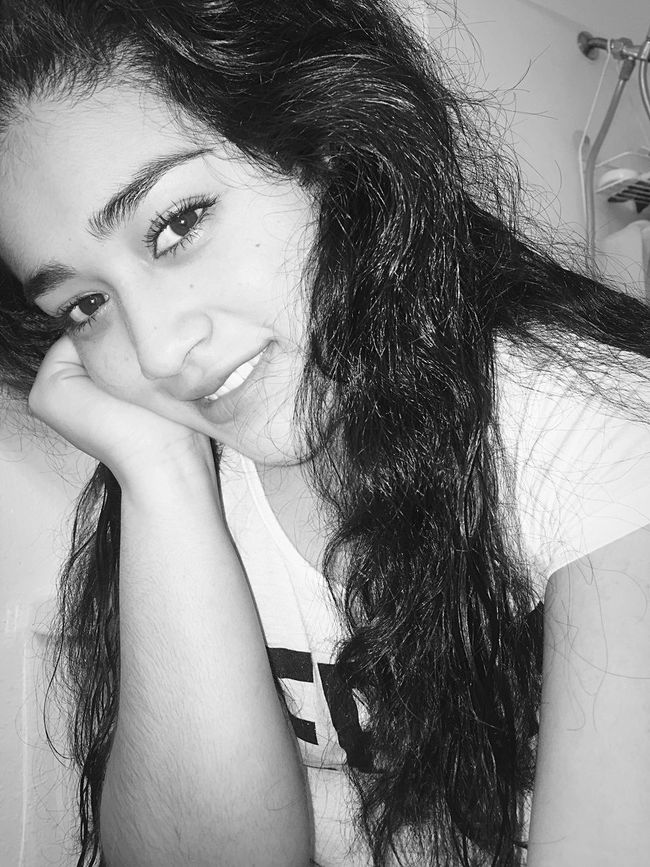 Check This Out That's Me Hanging Out Hello World Cheese! Relaxing Hi! Taking Photos Enjoying Life Beautifulphoto Belieber Believe Eyes Myeyes Blackandwhite