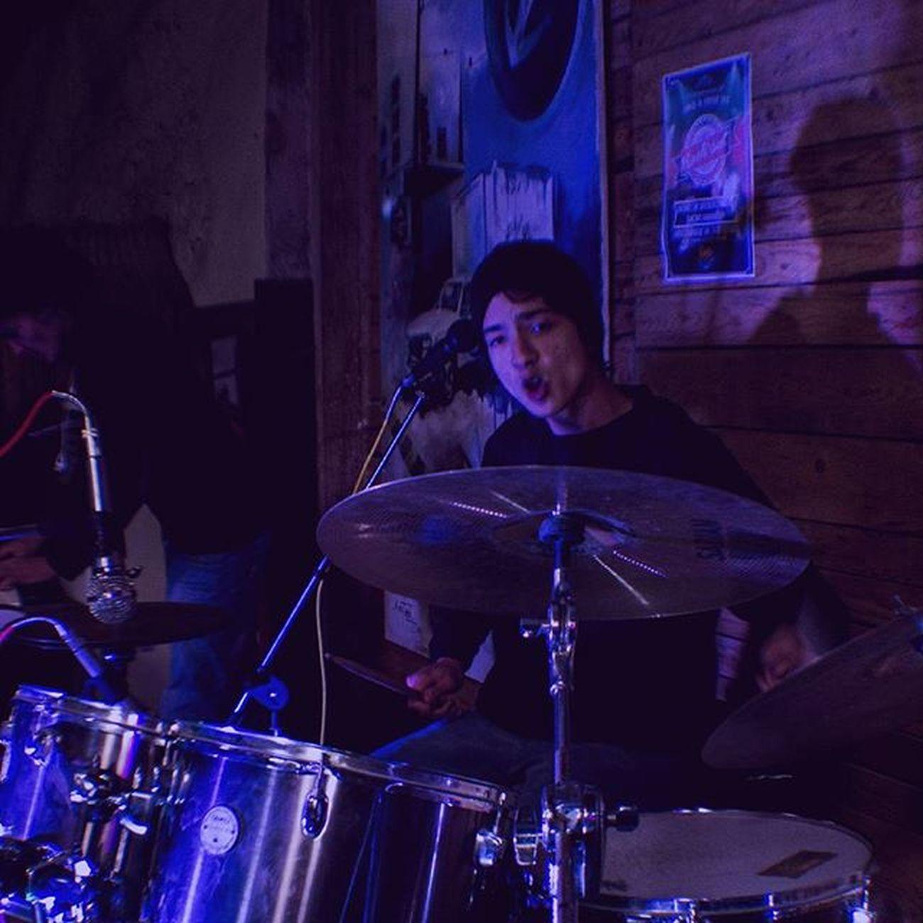 Ho bo do a drummer drumming so it seems. Kharrouba Rockout Concert