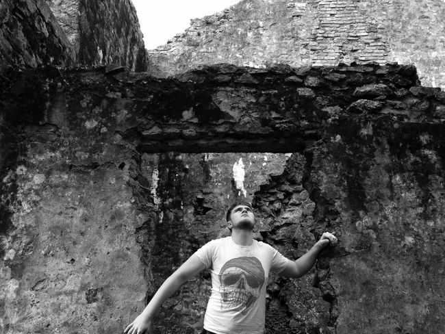 Alone Architecture Architecture_collection Blackandwhite Casual Clothing Day Focus On Foreground Historical Building IPhoneography Leisure Activity Lifestyles Lookingup Man Nature Nature_collection Natureporn Old Buildings Outdoors Standing Travel Photography