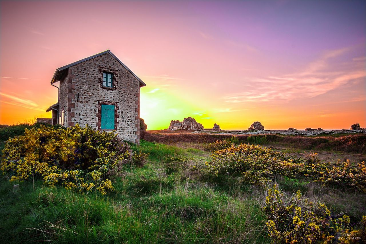 Sky Built Structure Building Exterior Architecture House No People Abandoned Field Nature Tranquility Landscape Beauty In Nature Sunset Grass Outdoors Day Bretagne Bretagnetourisme