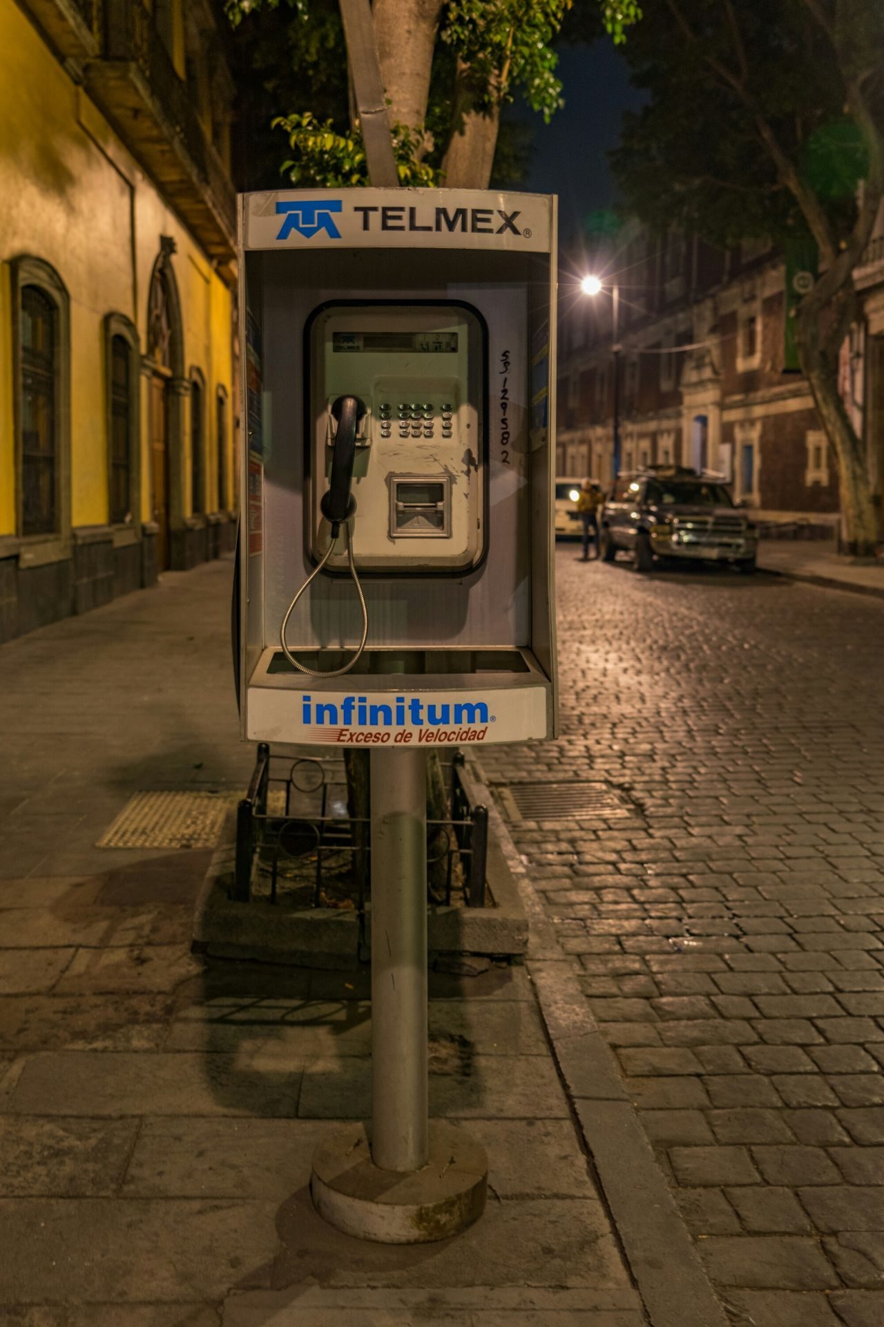 Call me.. Mexico Mexico City Mexicodf Telmex Public Phone Streetphotography Streetphoto_color Streetphoto Urban Urbanphotography Nightphotography