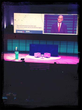 bundesrat #alainberset hält seine laudatio über innovationen und pseudoinnovationen (zb strukturierte produkte) #esprix13