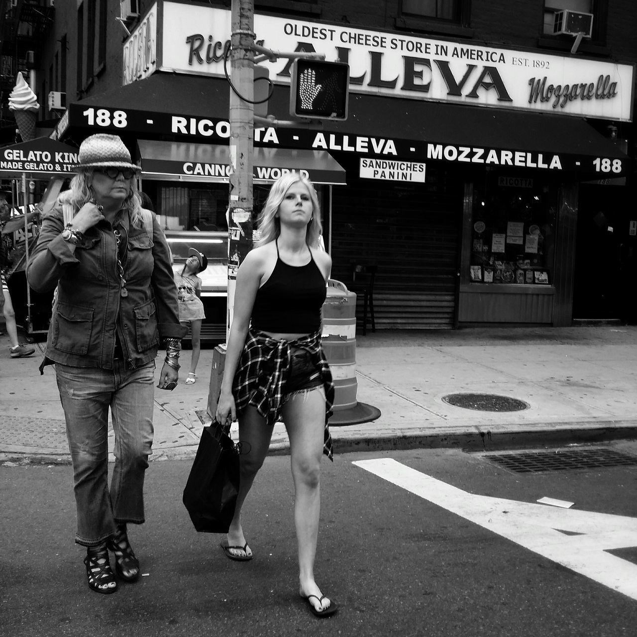 Street Protography Blackandwhite Photography Blackandwhite Newyorkcity Streetphoto_bw EyeEm Best Shots - Black + White The Street Photographer - 2015 EyeEm Awards New York ❤