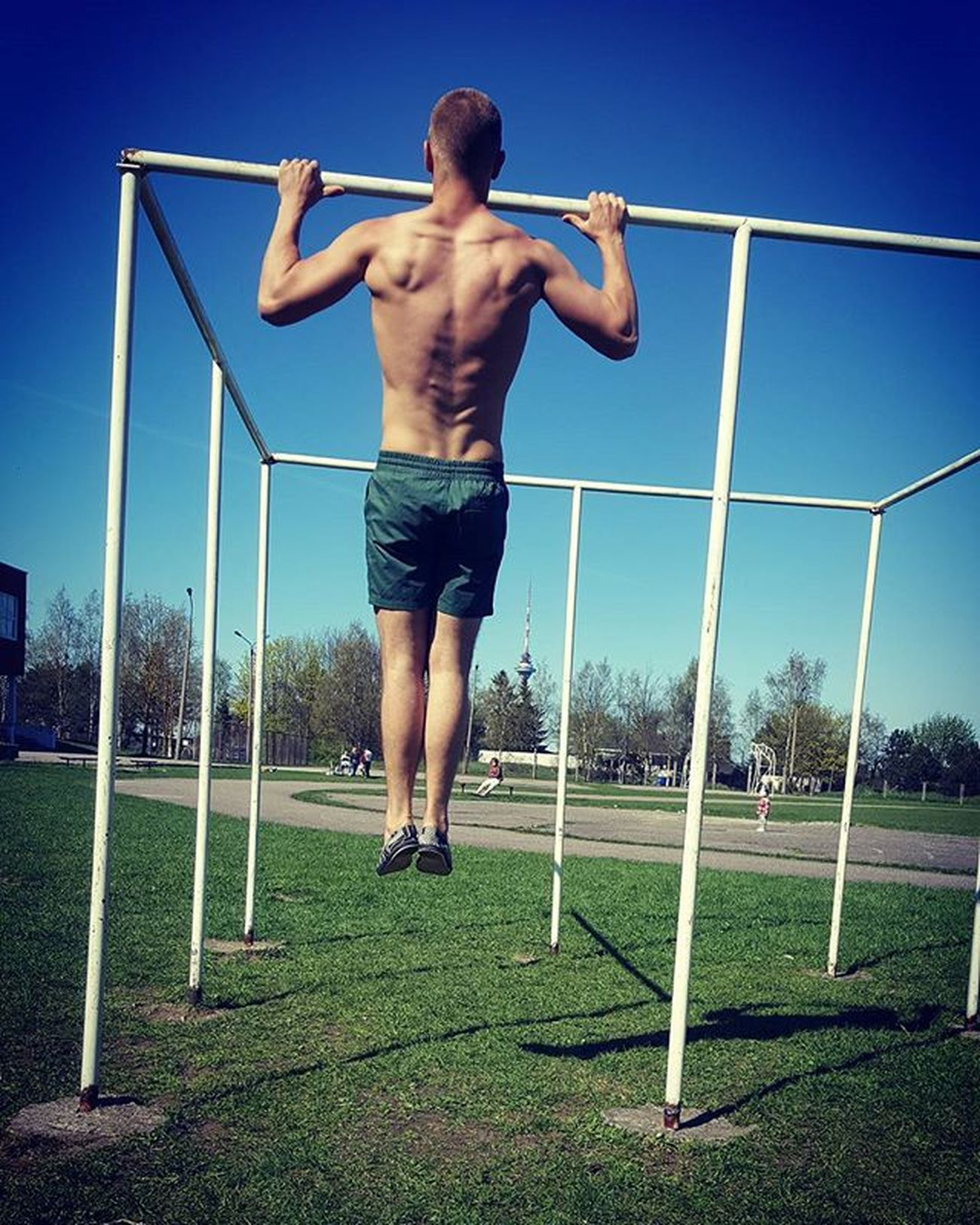 This day ! 🏜🌻 💪 ☛ Summervibes Summersmell Thissunday Thiswork Barworkout Baristi Calisthenics Backworkout Bodybuildinglifestyle Lovebar Bebest Bigdream