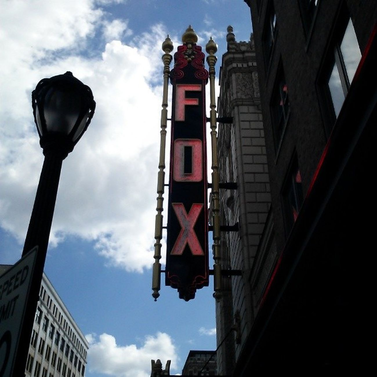 TheFabulousFoxTheater has some pretty Awesome shows this season!