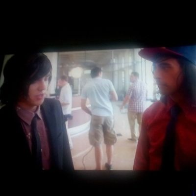 Watching the Peirce the veil king for a day behind the scenes c: Peircetheveil Vic Fluentes Kellin  quinn sleepingwithsirens