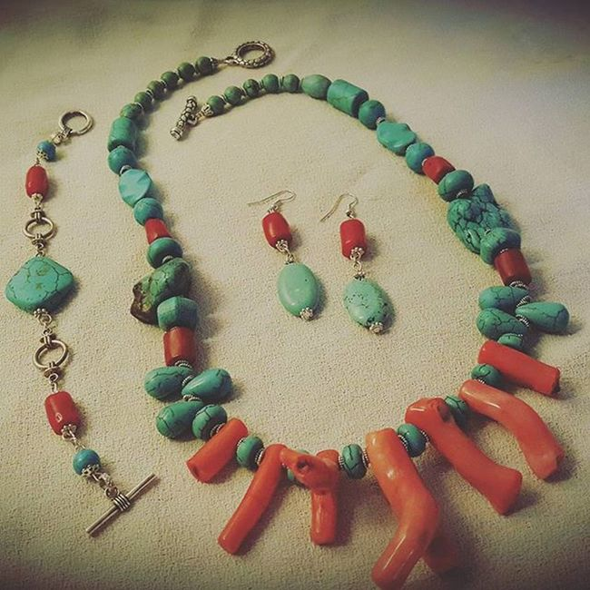 Summer jewelry! 👙🏊🌊🌴🍦🍺🏄🌞🍉 Summerjewelry Setjewelry Setbigiotteria Earringshomemade Necklacehomemade Bracelethomemade Orecchinifattiamano Collanafaidate Braccialefattoamano Hobby Bigiotteriaartigianale Bigiotteria Coral Corallo Turquoisestone Turquoise Turchese Pietraturchese