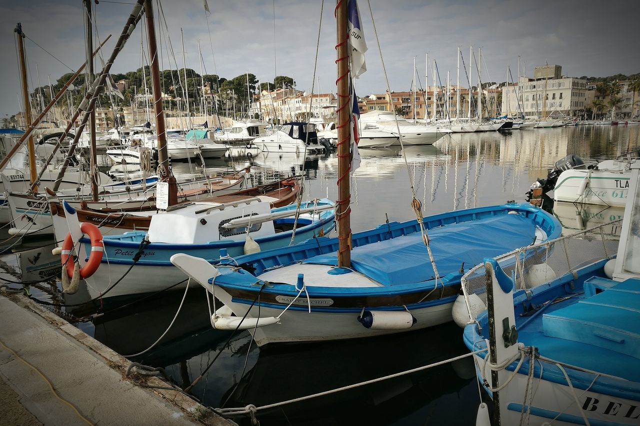 Sanary Sur Mer Boats Marine Market Sea Beautiful France
