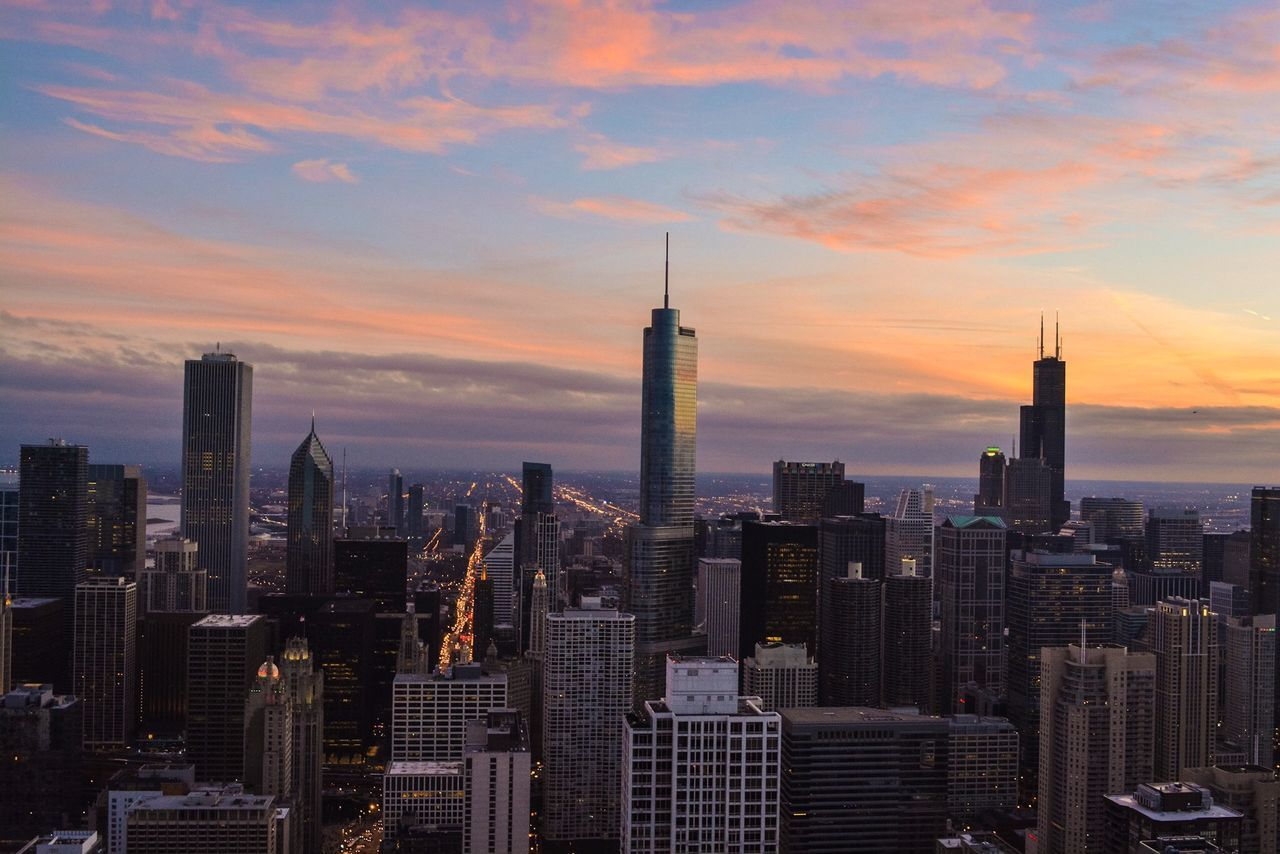 Memorable adventures Cloudporn The Traveler - 2015 EyeEm Awards Check This Out Skyline City Sunset Cityscapes Architecture EyeEm Best Shots Chicago