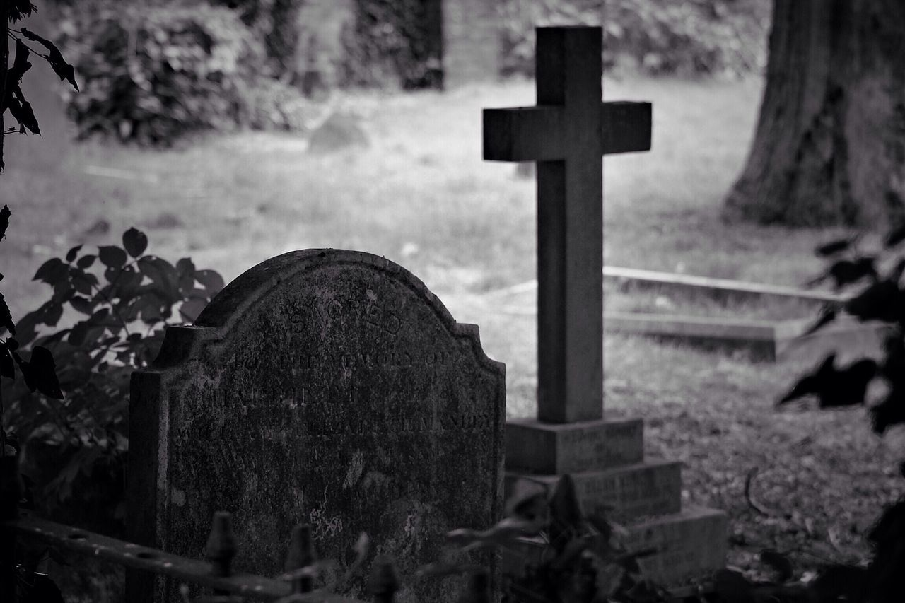 Cemetery Tombstone Cross Religion Spirituality Grave Memorial Graveyard Gravestone No People Symbol Outdoors Day Canon Black & White Creative Photography Graveyard Beauty Churchyard Canonphotography South West London