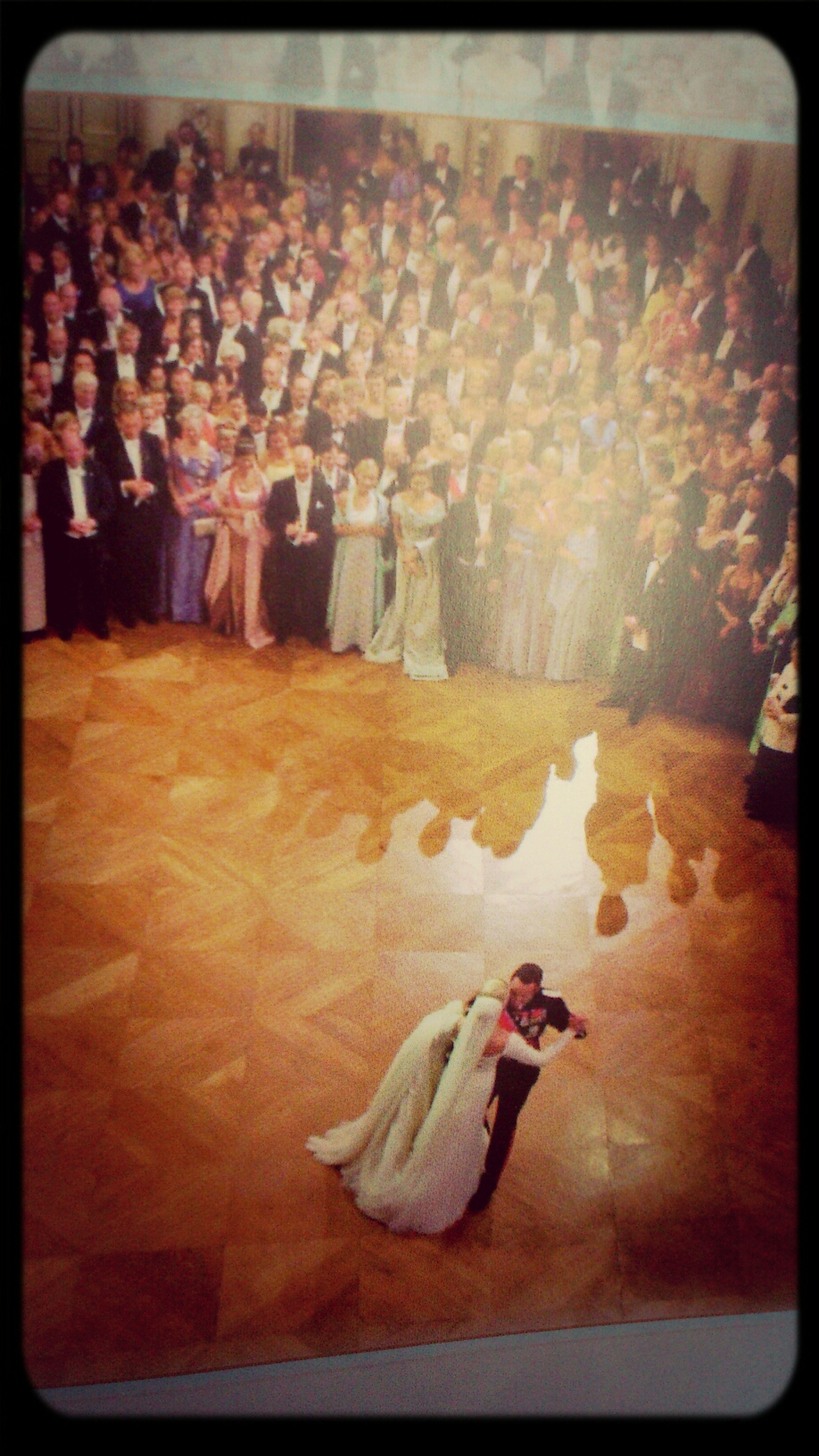 Kronprinsbryllupet fant sted I år 2001. Bryllupet ble viet stor oppmerksomhet og interesse verden over.