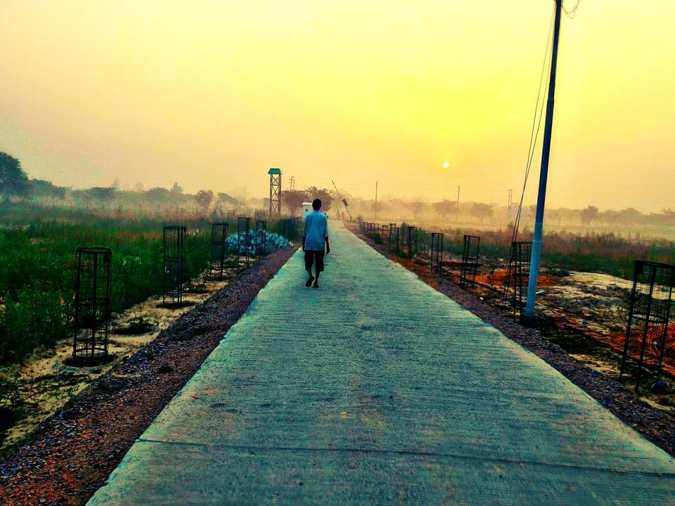 Sun ☀ Sunrise Sunshine Nature In Nature Sky Sun In The Morning Morningwalk Man Vista Nature Photography Man Walking From Behind Colourful Vibrant Colors