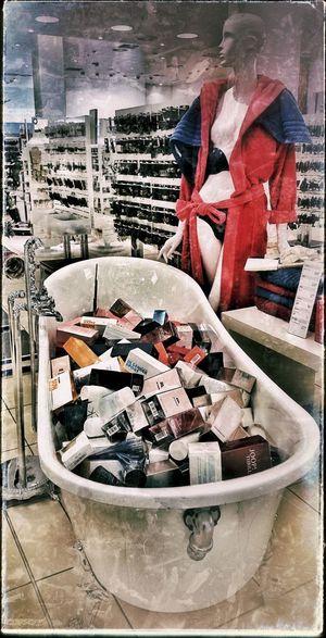 Die Wanne ist voll Bath Time! Baaaadewanne Parfumdreams Too Many Choices