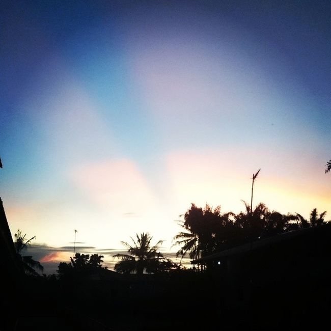 Skies Sundown Sunlight Light Sony XPERIA Z1 Silluetto Dark Evening Lowlights Tapung Kampar Riau Instagramers Instandonesia Instandroid Android INDONESIA