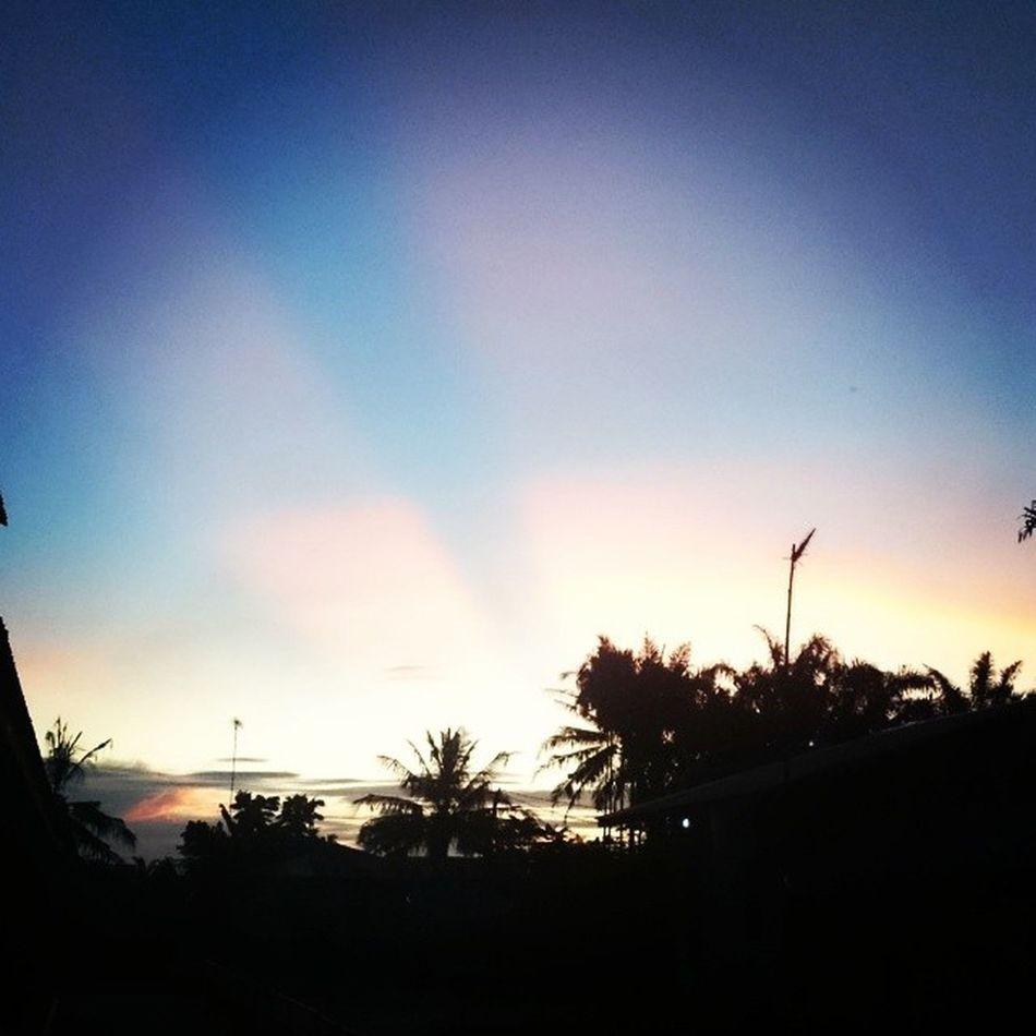 Skies Sundown Sunlight Light Sony XPERIA Z1 Silluetto Dark Evening Lowlights Tapung Kampar Riau Instagramers Instandonesia Instandroid Android INDONESIA