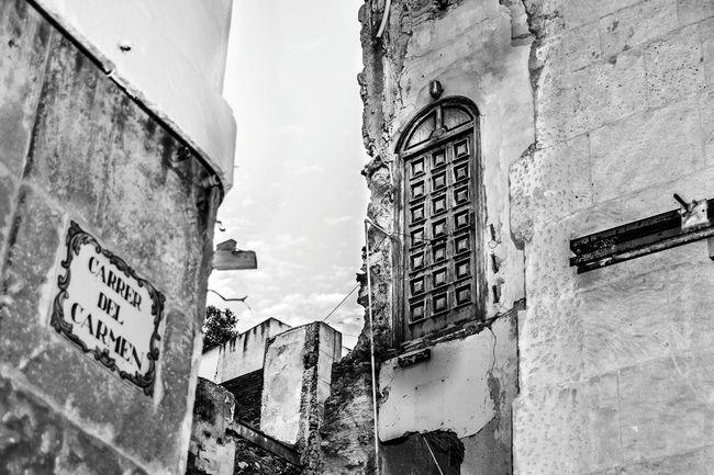 Alicante Alicante, Spain Barrio De Santa Cruz Black & White Black And White Photography Black And White Street Photo Urban Street Windows And Doors Urban Exploration Urban Photography Construction Urban Architecture Old Buildings Street Photography Streetphoto_bw Street Art Demolition Ruin Ruins Architecture Ruined Building Doors Lover Doors Door