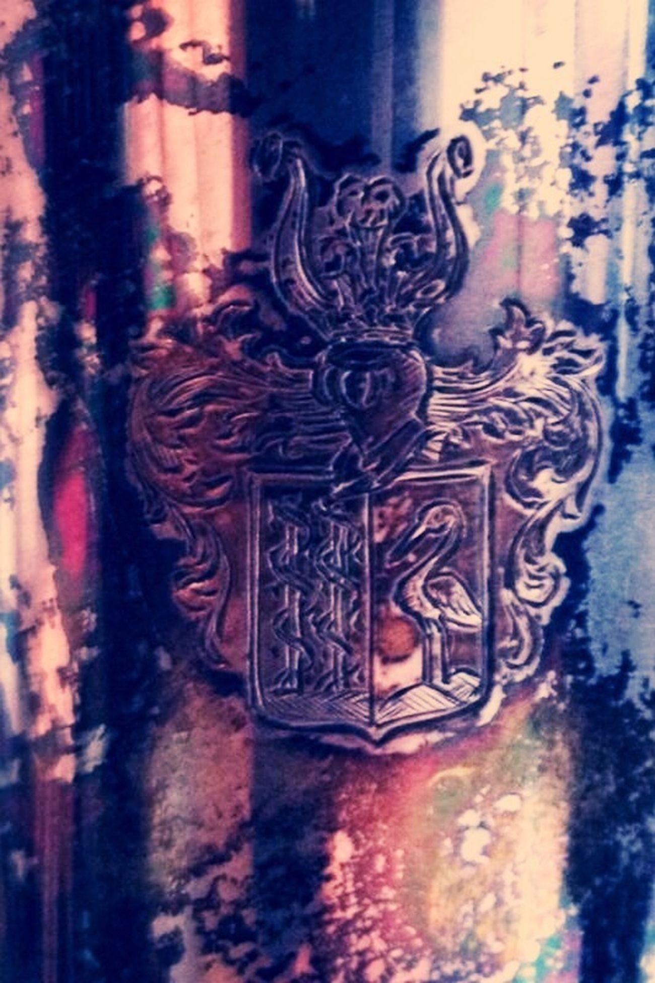 Dusty Emblem