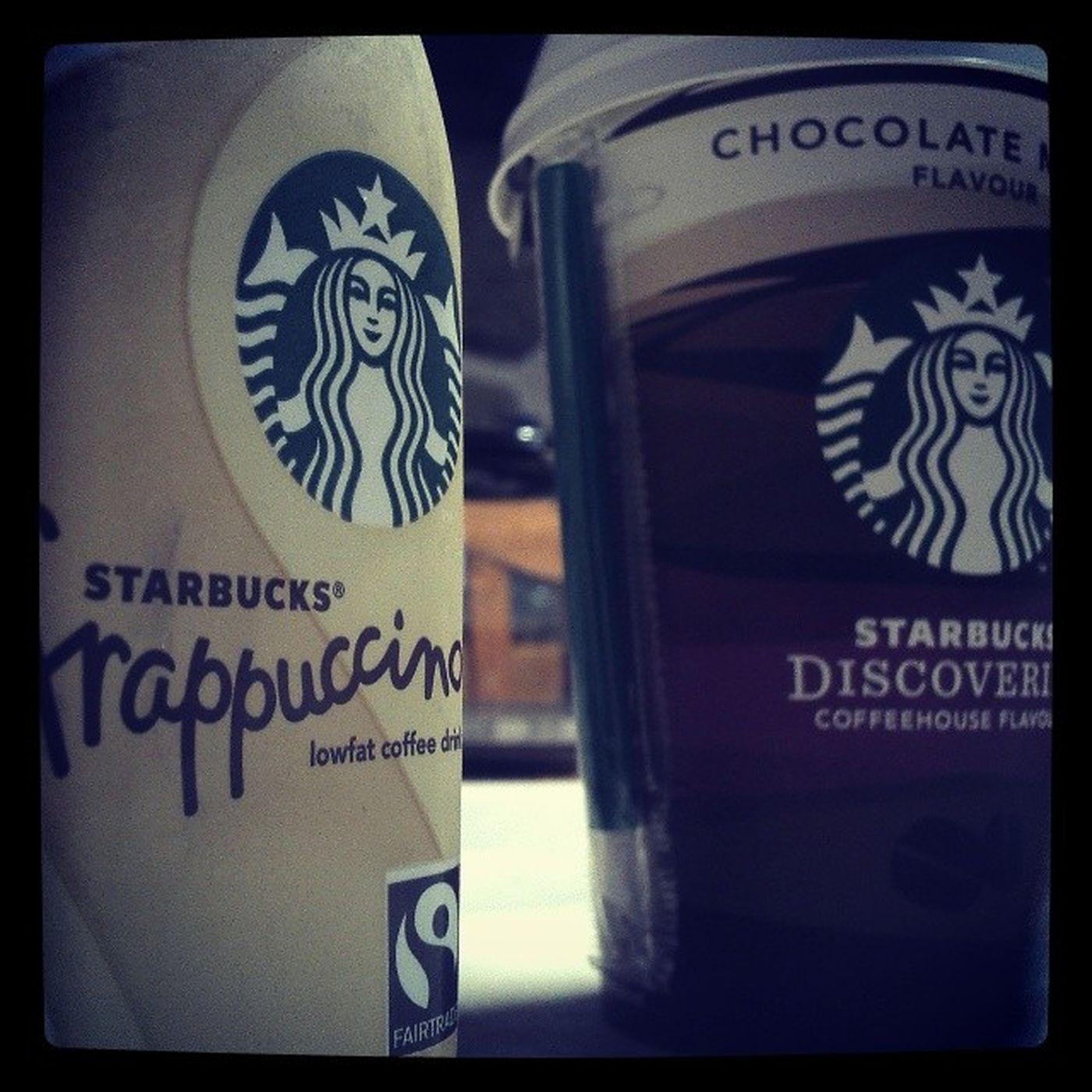 Dois dos meus favoritos :) Humm  Starbucks Starbucksportugal Vanilla chocolate