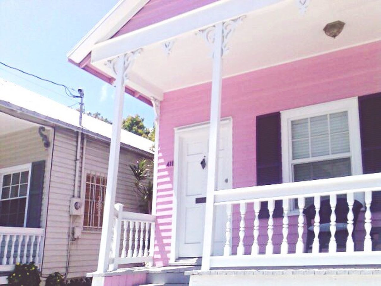 Keywest Florida Architecture Built Structure Building Exterior No People Outdoors Day Awning Tranquil Scene USA Popular Photos Walking Around Taking Photos Getting Inspired Pink Color Pinkish Sky