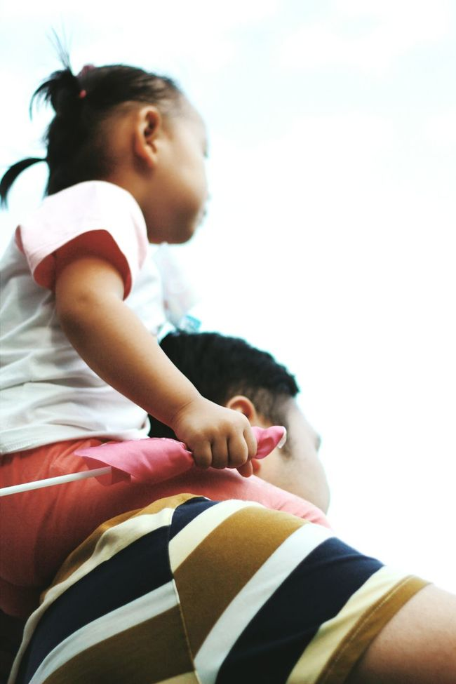 shoulder seat Father And Daughter Gymboree Love Childhood
