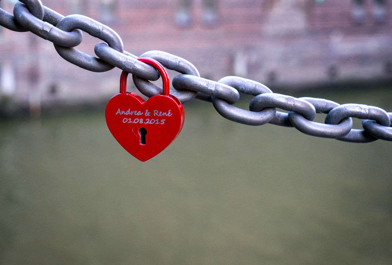 Bonding Chain Close-up Connection Day Focus On Foreground Heart Heart Shape Heart ❤ Lock Love Love Lock Metal No People Outdoors Padlock Red The EyeEm Collection Premium Collection