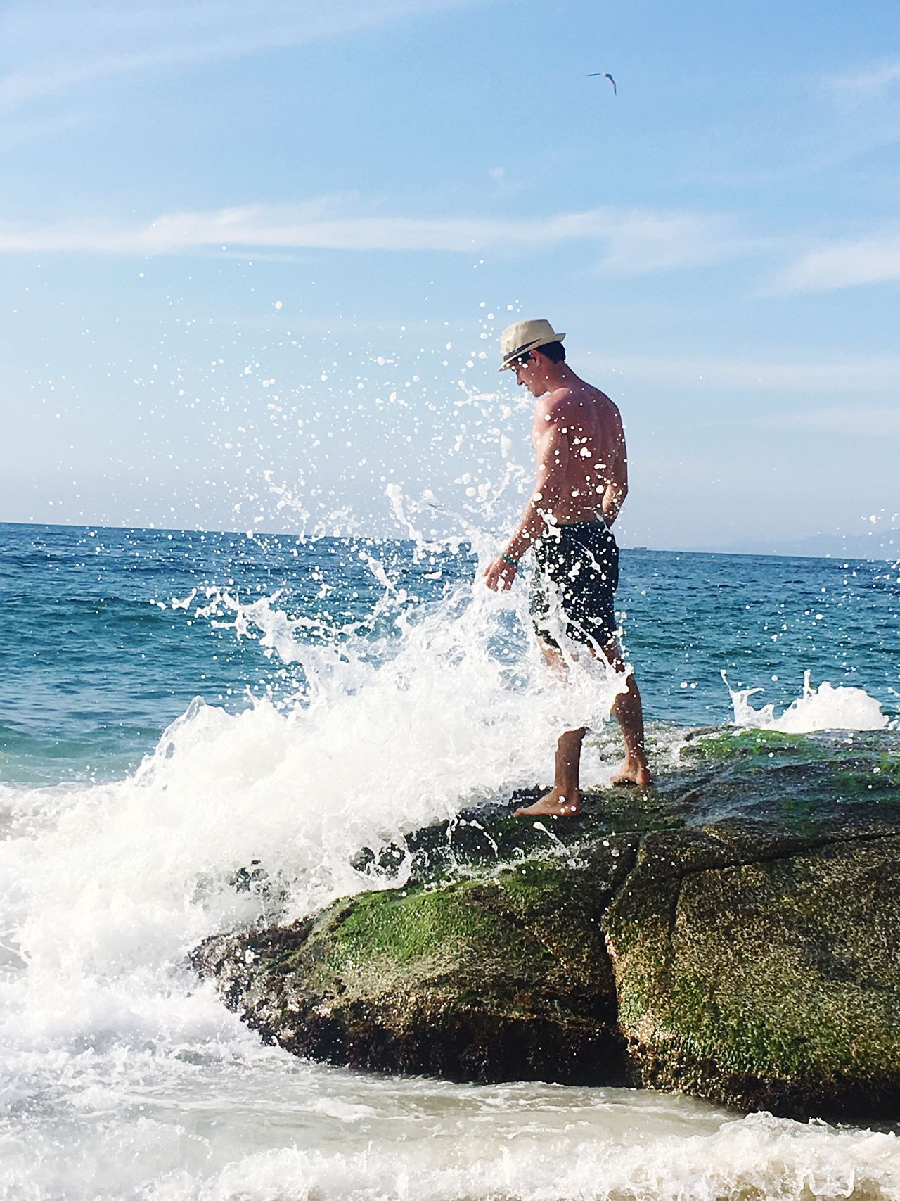Sea Water Real People Leisure Activity Lifestyles Wave Horizon Over Water Motion One Person Day Men Splashing Rock - Object Vacations Beauty In Nature Waves, Ocean, Nature Disfrutando De La Vida