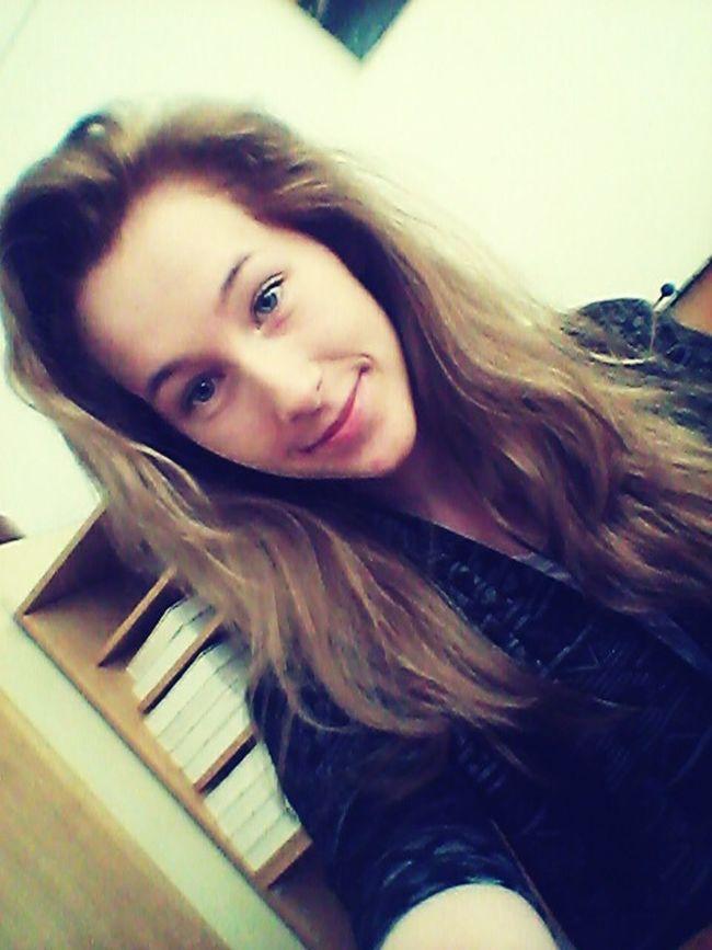 Taking Photos Selfie ✌ Beautiful Girl Lovemyself Boredatschool Enjoying Life IDFWY Happy
