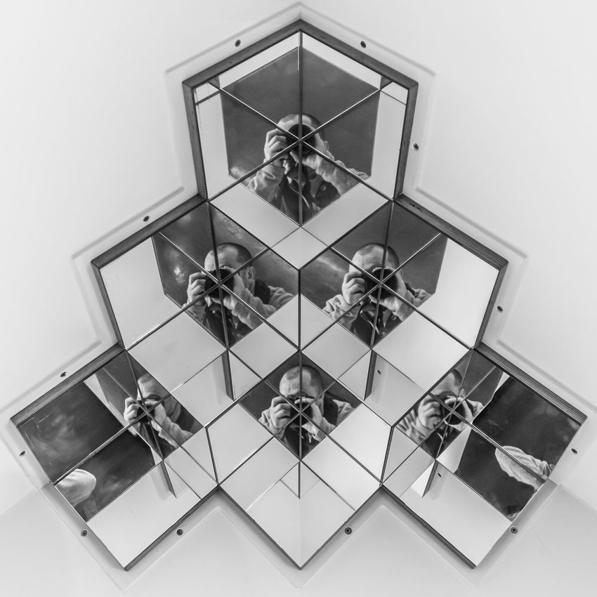 Architecture Blackandwhite Blackandwhite Photography Day Indoors  Mirrorbox Mirrors No People Optica Pattern Technology