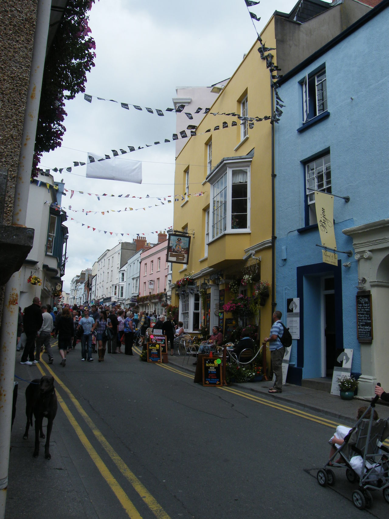 Adult Adults Only Architecture Building Exterior Built Structure City Crowd Day Large Group Of People Men Outdoors Painted Houses Pembrokeshire Pembrokeshire Coast Pembrokeshire Coastal Path People Real People Road Seaside Town Sky Street Tenby Women