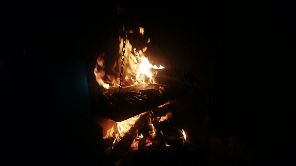 /fire Burning Burn Wood Burning Wood Burningflame BURNBABYBURN First Eyeem Photo SonyXperiaZ1Compact Sony