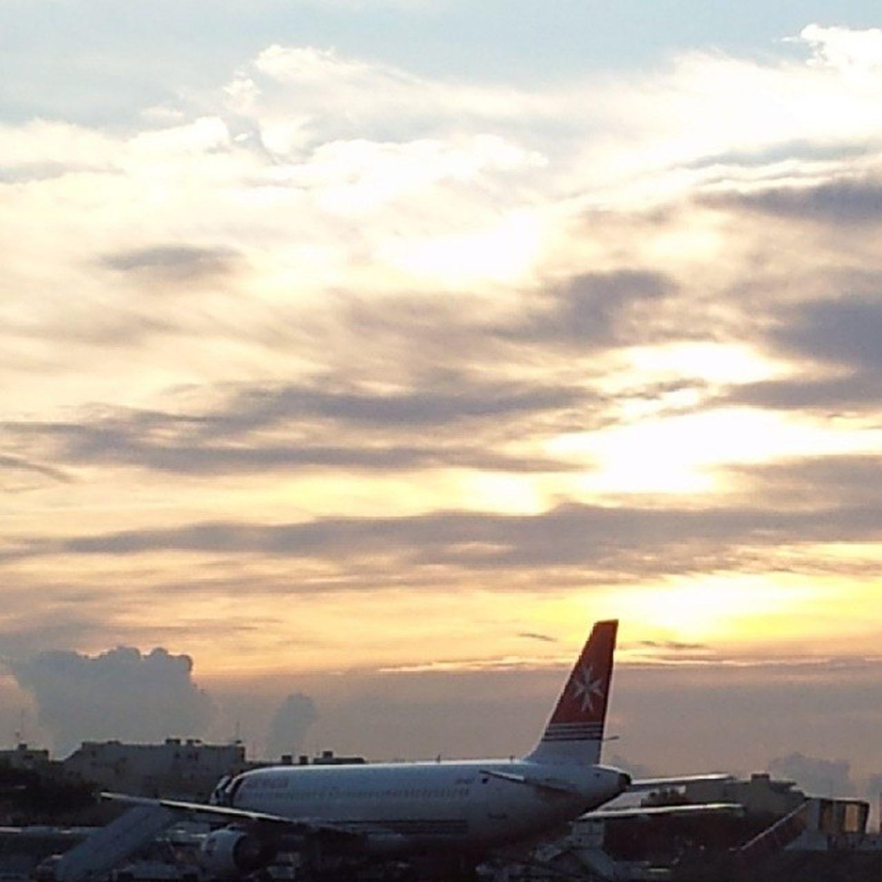 Sky Sunset Sunshine Airportmalta zonsondergang malta