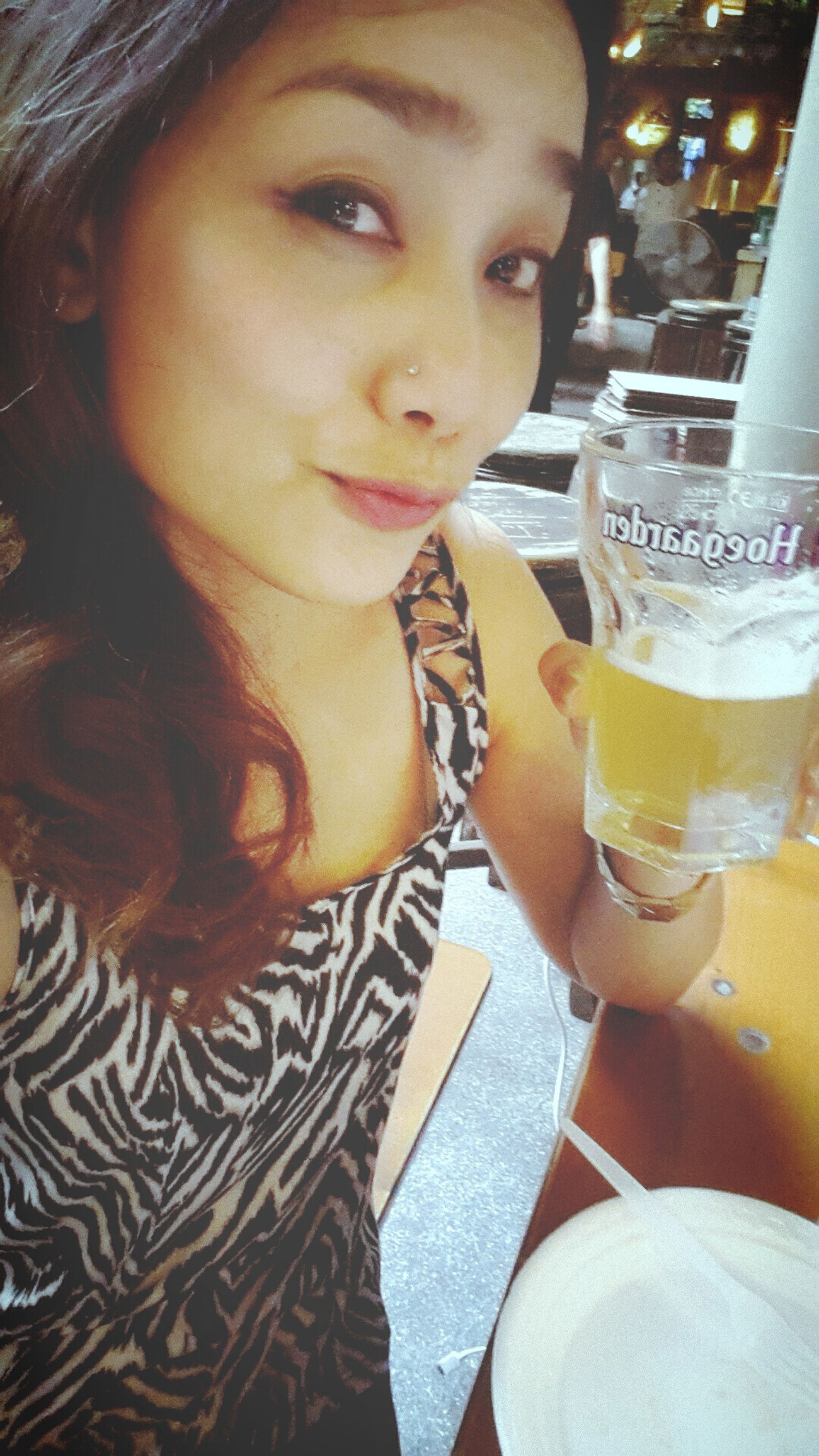Cheers ! for Sunday night ♡♡ Night Out Friends Hanging Out I Love Beer!