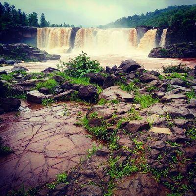 Gira -Dhodh Heavy Fall Water Force Green Greenery Big Stone Rain Foggy Weather Natural Click Enjoy Galaxy Note-2 Click PicOfTheDay ...