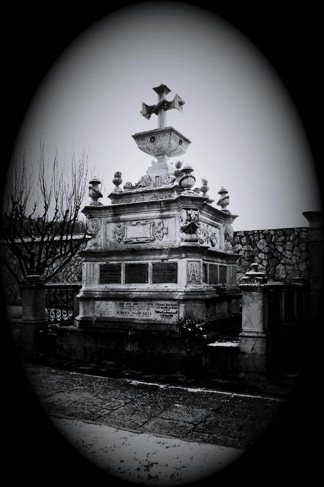 Cemetery Series Cemetery_lovers Cemetery_shots Cemeterybeauty Cementeriosdeespaña B&w Photography