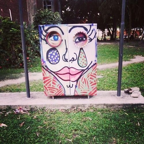 Que arte linda que fizeram na caixa de fios :) Arte Cores Urbanmonster