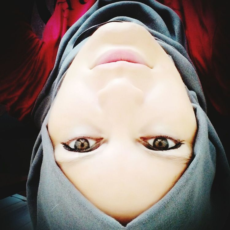 Hijab Greeneyes Faces Of The World Women Of EyeEm Faces Of EyeEm Turkishwomen Selfies Face Woman