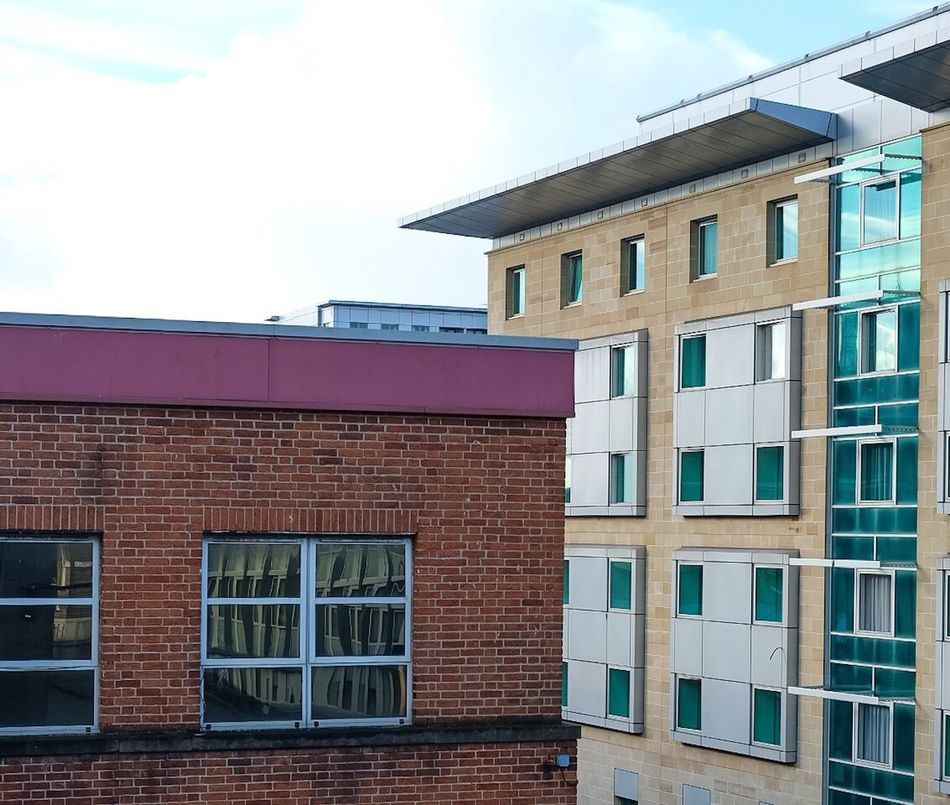 Building Exterior Architecture Built Structure Window No People Outdoors Day Residential Building Sky Brick Wall Rooftop City City Skyline Glasgow  Scotland City Centre
