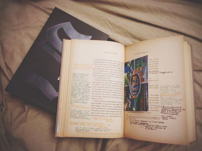 Reading The ship of Theseus Jjabrams Dougdorst RIZZOLI Books