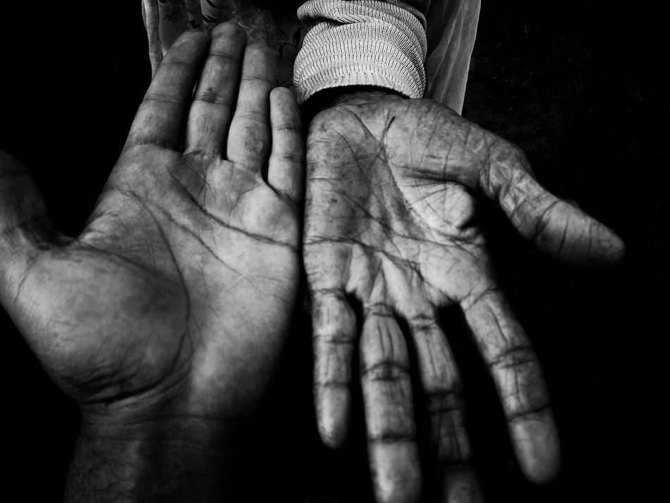 Black And White Photography Growing Old Black&white Monochrome Hand Blackandwhitephotography Grandma Aiikos Black.n.white Old But Awesome RePicture Growth Macro Beauty Awesome Photography Eye4photography  EyeEmBestPics Eyem Best Shots First Eyeem Photo IPhoneography Aiiko Inspired Aiiko Untouched 💯pure Bestoftheday EyeEm Masterclass EyeEm Best Shots Sillhoutte Two Is Better Than One EyeEmNewHere