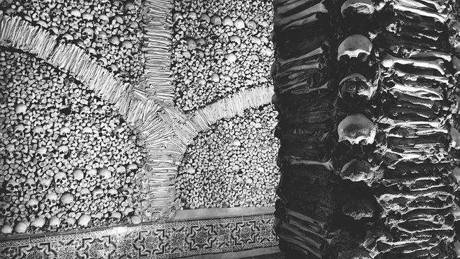 Capture The Moment Capela De Ossos Évora  Bones Monochrome Photography