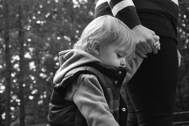 Real People Childhood Outdoors Two People Day Tree Togetherness Close-up Eeyem Eeyemgallery EeyemBestPhotography Nikonphotographer (null)Nikonphotography Monochrome Monochrome Photography Monochromatic Blackandwhite Holding Hands Love Family❤ Son Family Nikon Mylife